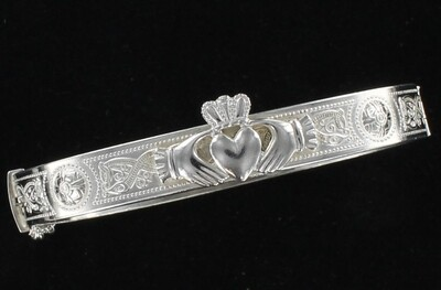 STERLING SILVER CLADDAGH BANGLE