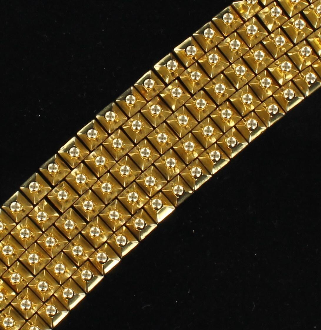 18KT YELLOW GOLD TEXTURED BRACELET, 88.3 GRAMS