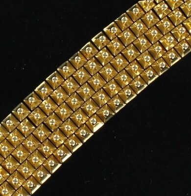 18KT YELLOW GOLD TEXTURED BRACELET, 88.3 GRAMS