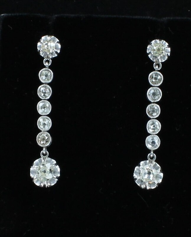 PLATINUM 1.35 CT TW DIAMOND DANGLE EARRINGS CIRCA 1920'S