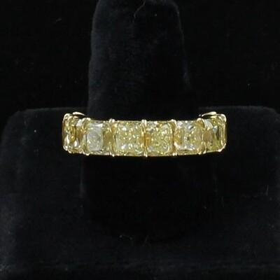 18KT GIA CERTIFIED 14.28 CT TW CUSHION CUT FANCY YELLOW DIAMOND ETERNITY BAND, SZ 6.5