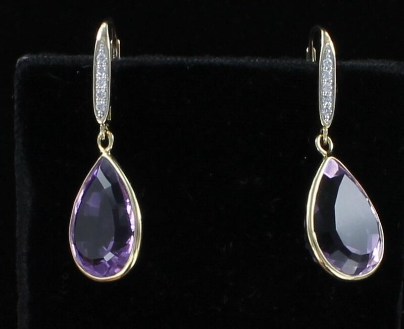 18KT AMETHYST DANGLE EARRINGS