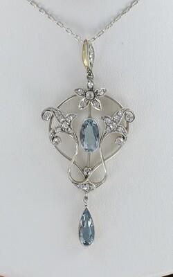 18KT/PLATINUM AQUAMARINE AND DIAMOND NECKLACE, CIRCA 1900