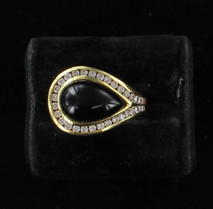 18KTY ONYX AND DIAMOND RING