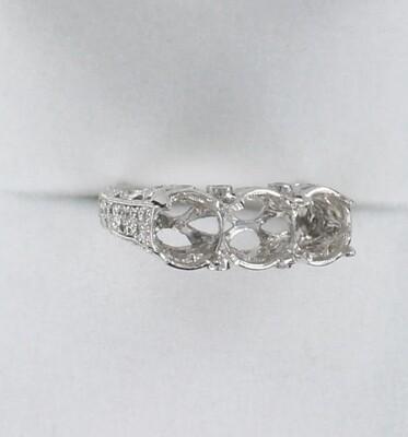 PLATINUM DIAMOND THREE STONE MOUNTING