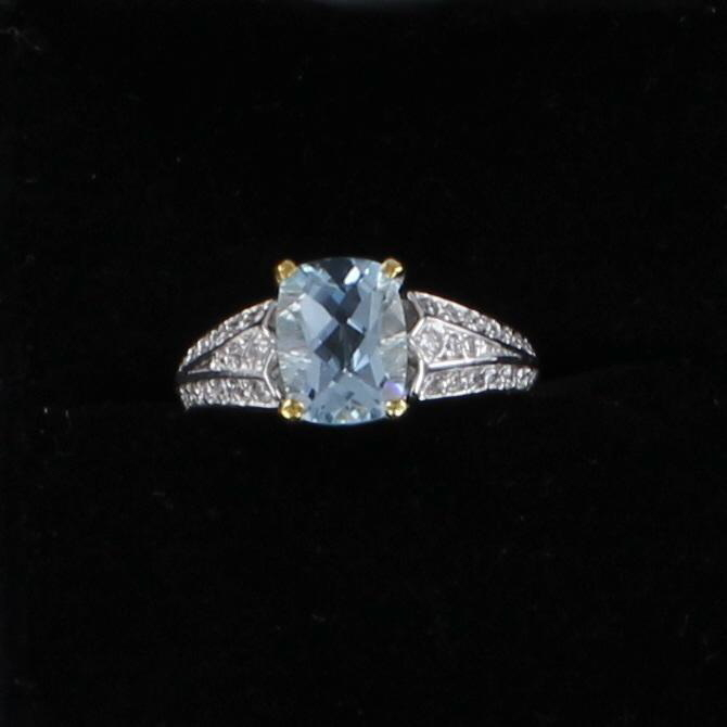 18KT AQUAMARINE AND DIAMOND RING
