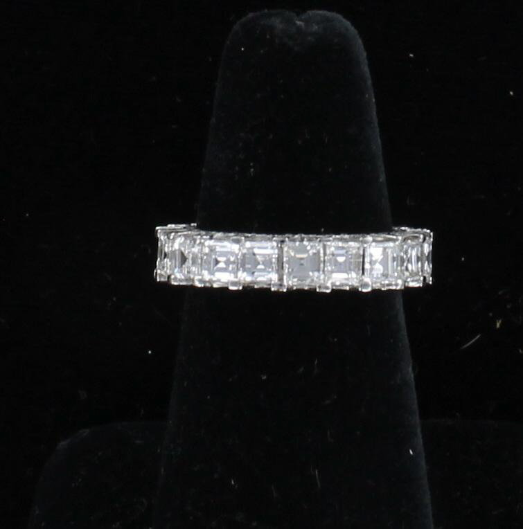 18KT ASSCHER CUT DIAMOND ETERNITY BAND, 5.75