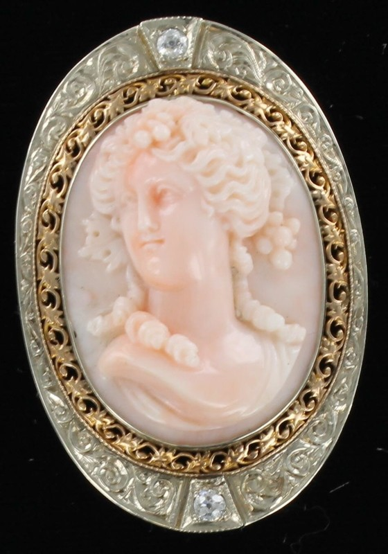14KT ANGEL SKIN CORAL CAMEO CIRCA 1900