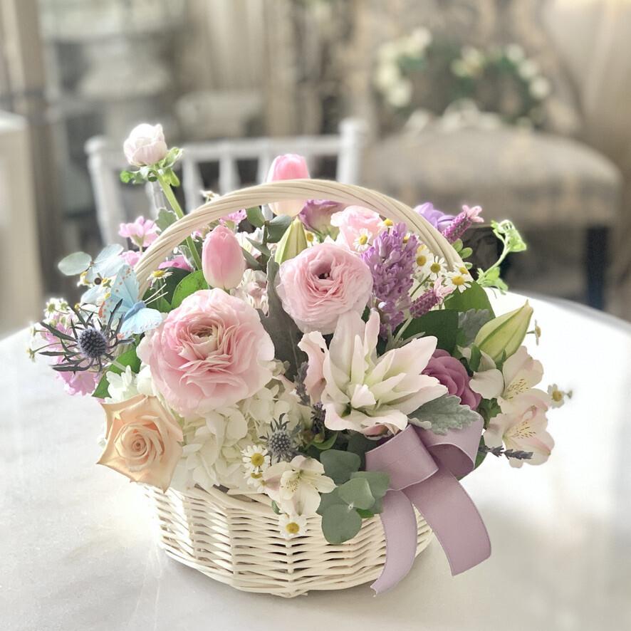 Pastel flower Basket