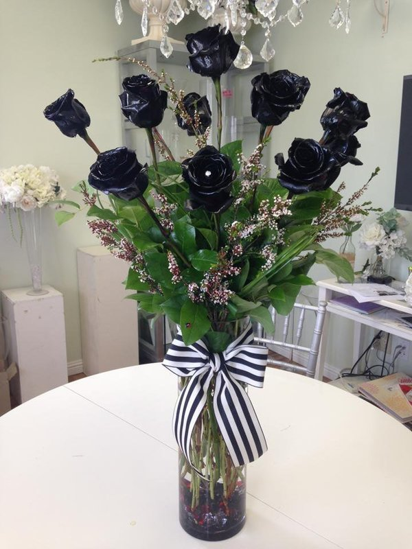 Dozen Premium Long Stem Black Roses