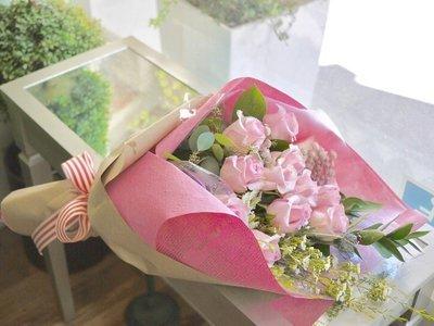 Long Stem Roses Holding bouquet