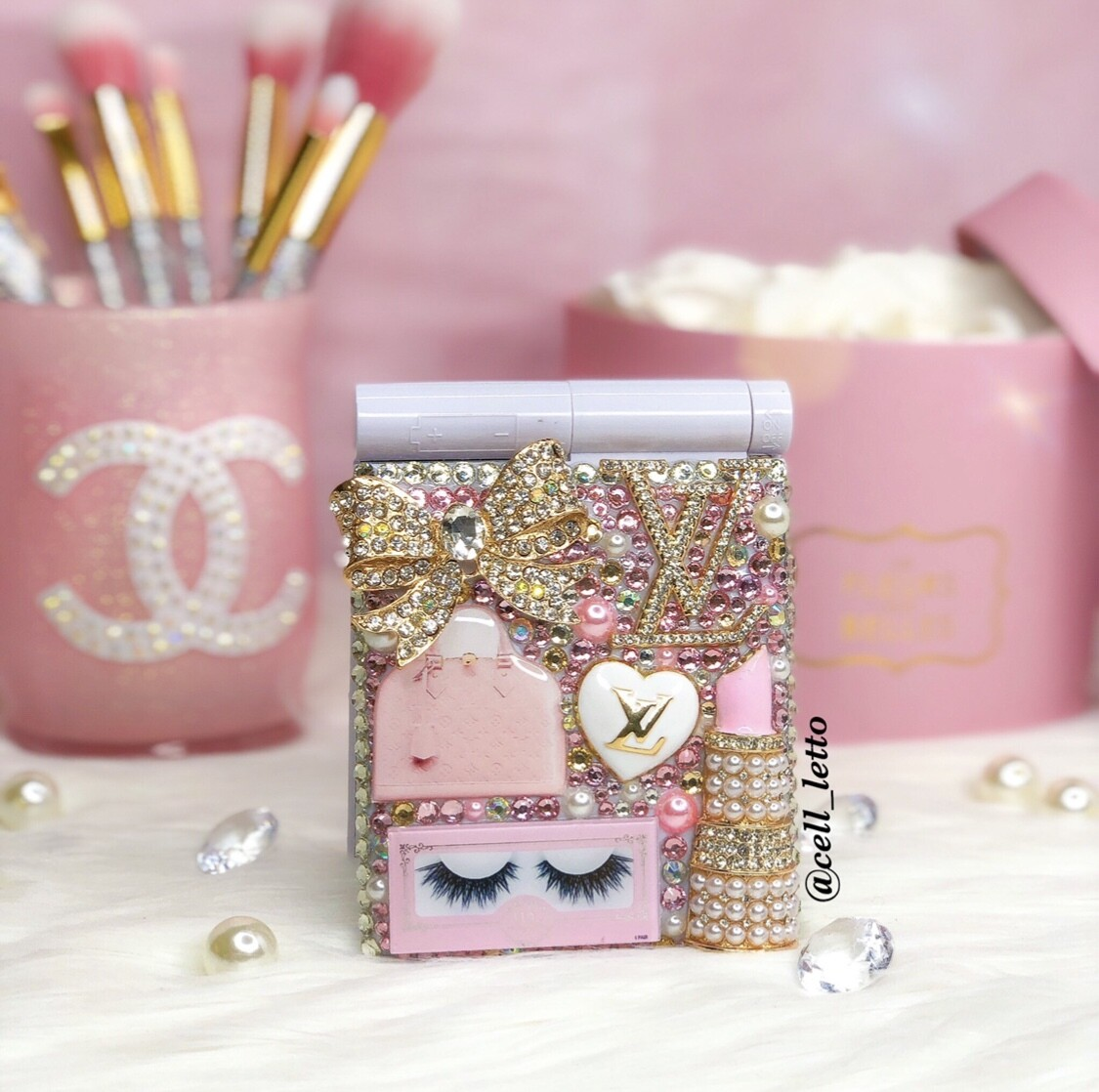 Girly Designer-Inspired LED Compact Mirror
