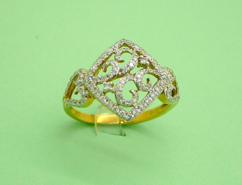 CURLS ON DIAMOND SHAPE W/ HEART SIDES