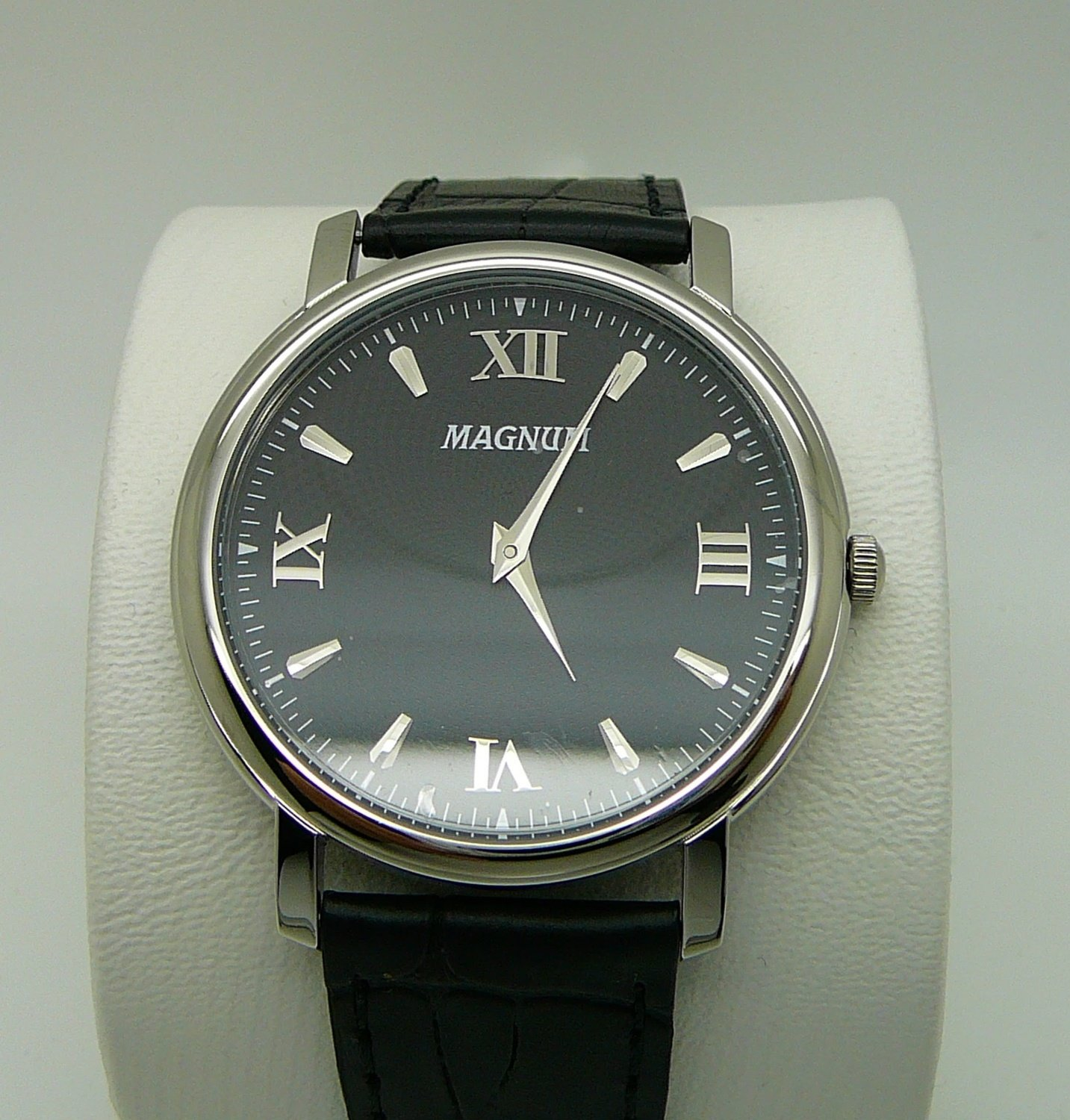 MAGNUM Business, Black Dial