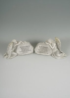 2 assorted memorial angel stones 'Someone Special' & 'Sadly Missed'