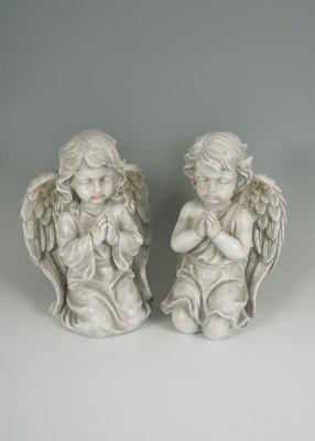 2 assorted kneeling praying cherubs