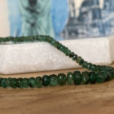 Toro Beaded Raw Emerald Necklace
