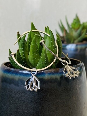 G-Candy Hoops in Silver with Protea Charms