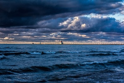 Lighthouse on the Lake 20x30