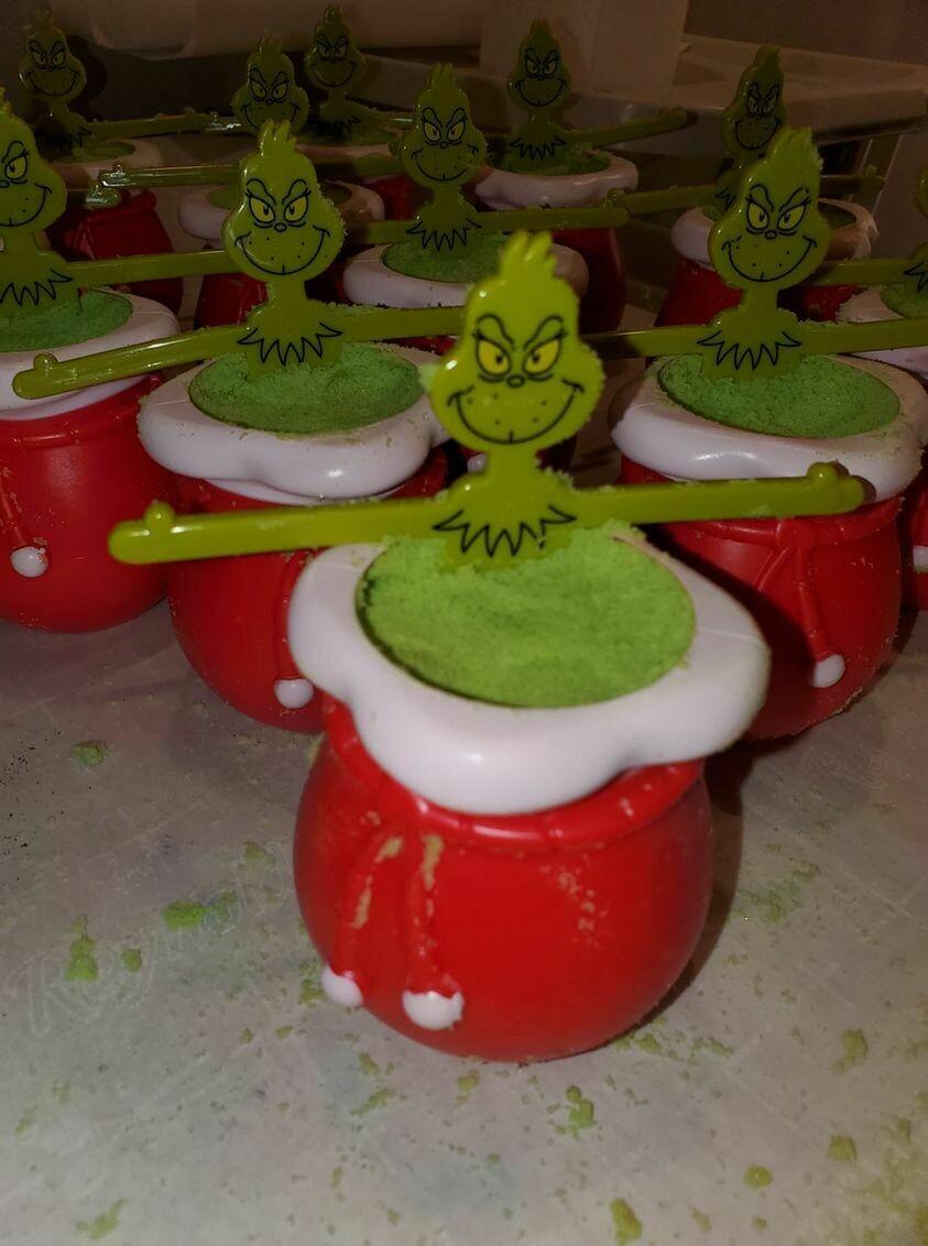 Christmas Coal Bath Bomb Buckets