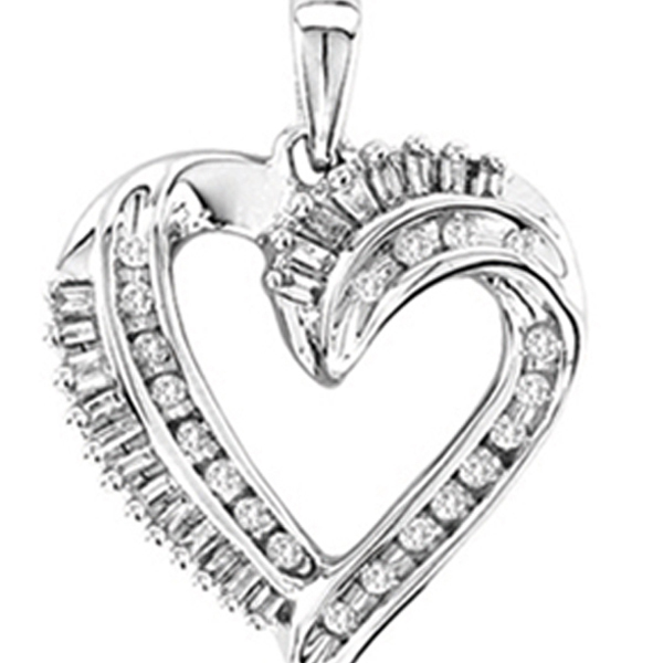 0.25CTW Heart Diamond Pendant 10K