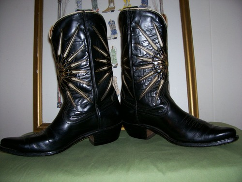 You're the shining star in these vintage Acme Rockabilly boots!!