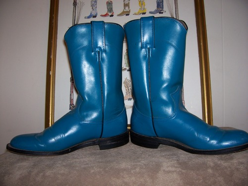 Steal the show in these turquoise ropers by Diamond J!