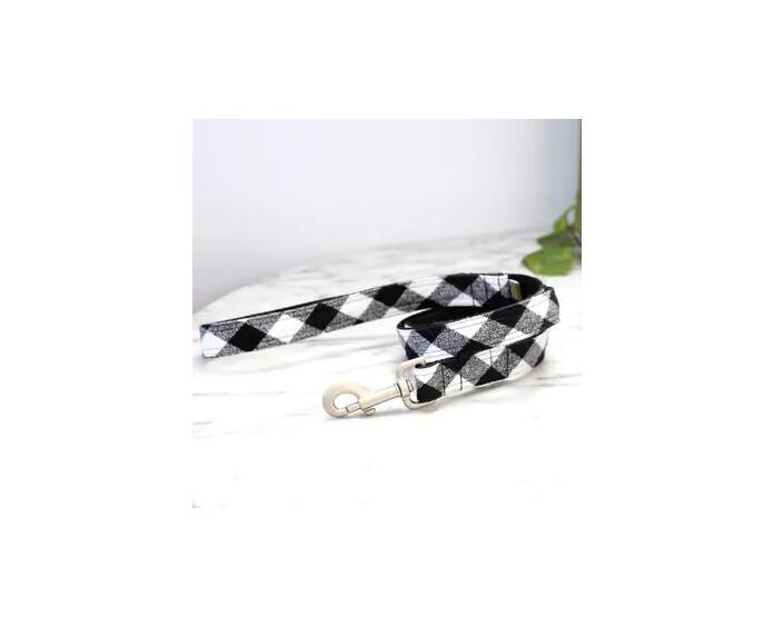 "Mimi Green Buffalo Plaid Flannel Dog Leash White/Black | 5 ft 1"""