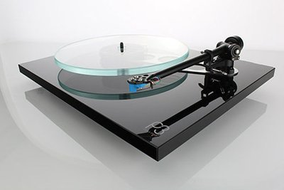 Rega Planar 3 with Elys Cartridge
