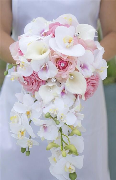 Western Style Cascade Bouquet.