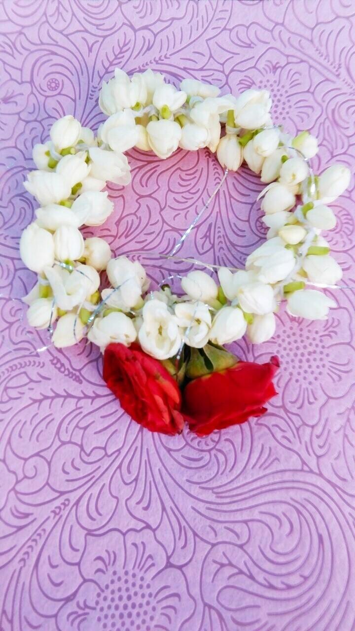 Jasmine Bracelet With Roses 15 Pieces (Fresh Flowers)