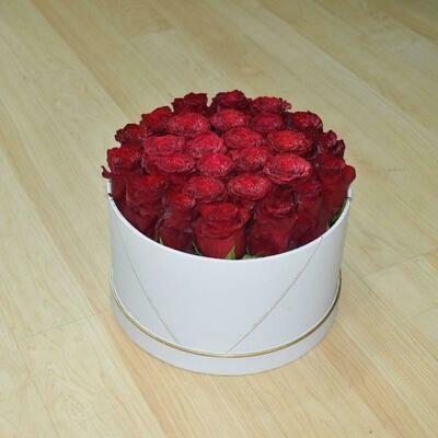 30 Roses in a Box