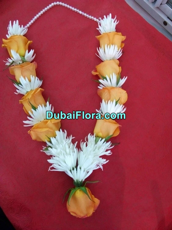 Chrysanthemum and Roses Garland