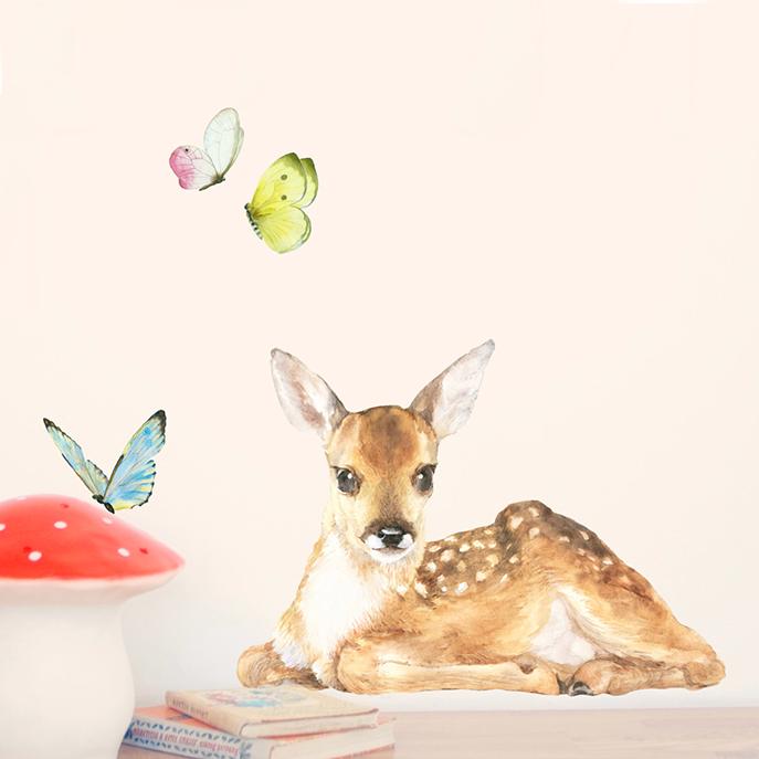 Интерьерная наклейка «Оленёнок + бабочки»