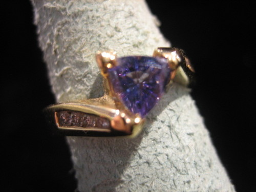 Tanzanite and Diamond Ring 14 Karat Gold