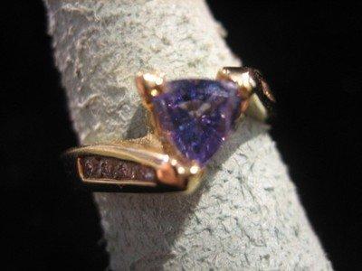 Tanzanite and Diamond Ring 14 Karat Gold