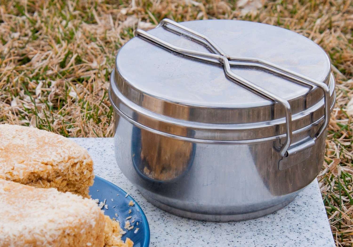 Covered Bread/Cake Pan