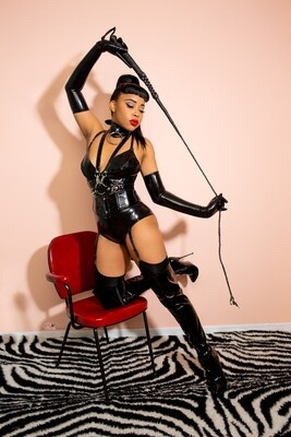 Lady Eccentric latex