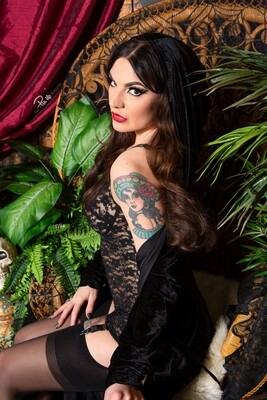 Amber T Love Witch
