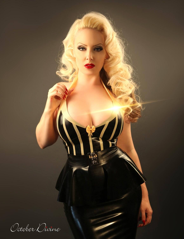 Black & Gold Latex 2