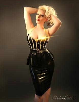 Black & Gold Latex 1