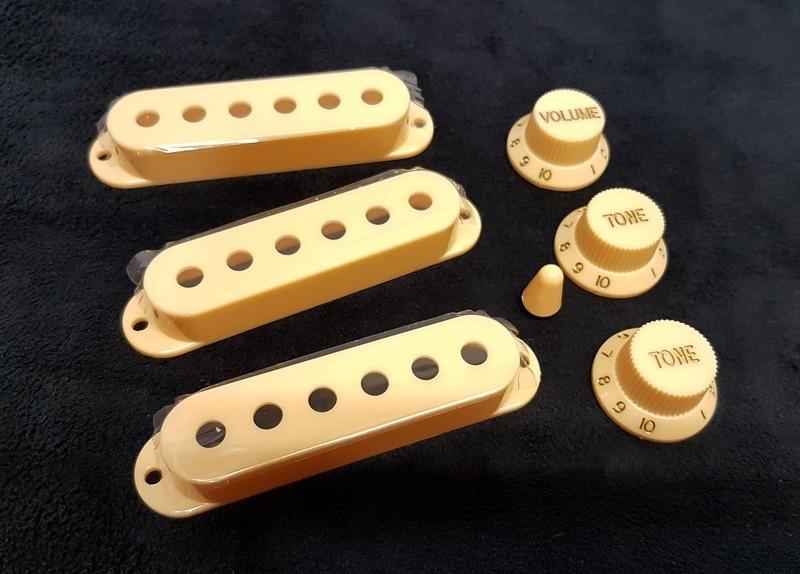 Pickup covers + 2T1V knobs + 5-Way switch tip Cream