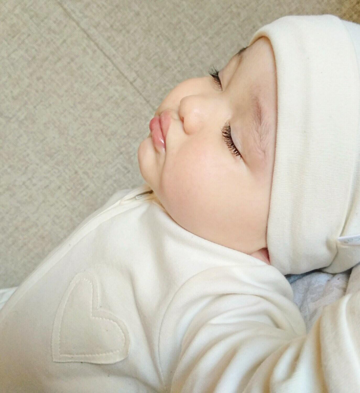 Newborn Gift Set- Organic Baby Clothes- 1 Bodysuit/Onesie, 1