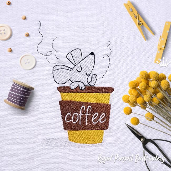 Мышка в чашке с кофе Дизайн машинной вышивки