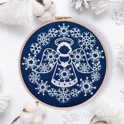 Ангел с сердечком в рамке из снежинок Дизайн Машинной Вышивки - 3 размера