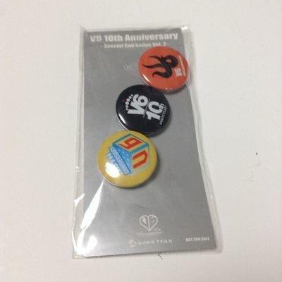 V6 10th Anniversary Pin Badge Set
