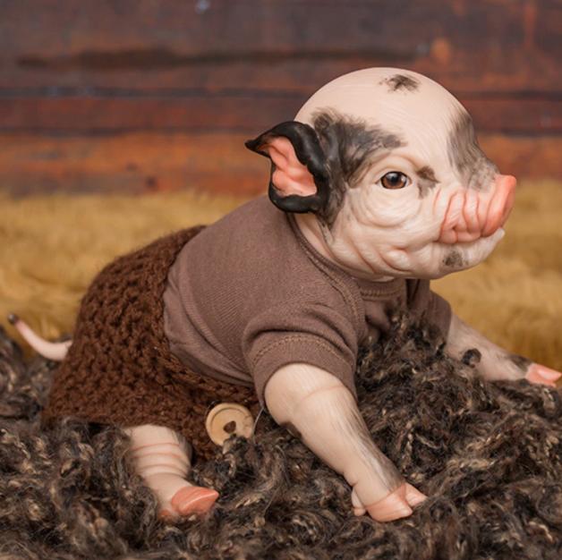 """Prepainted Thistle Piglet (15"""" Kit)"""