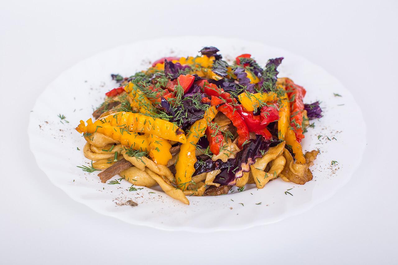 Цуйван - домашняя лапша с мясом и овощами. 250 гр.