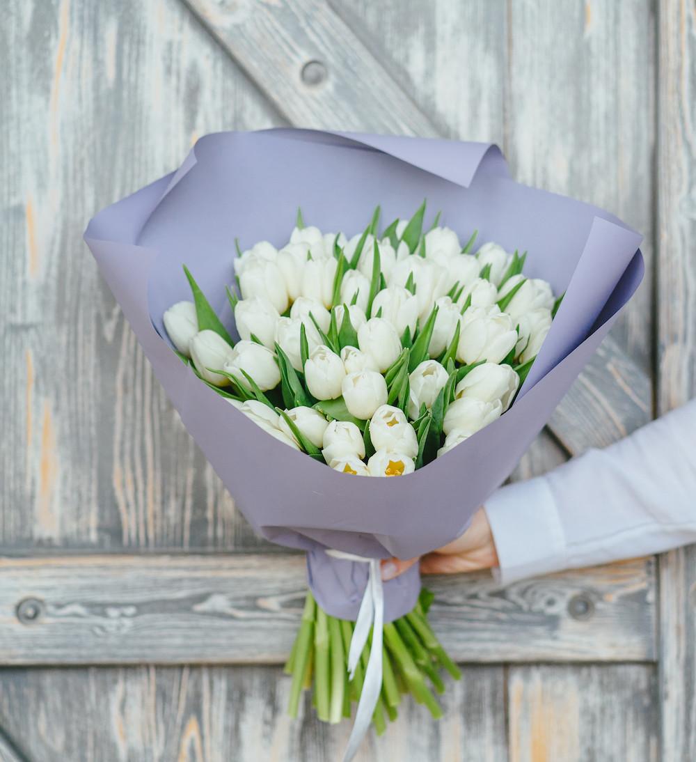 Тюльпаны в лавандовом