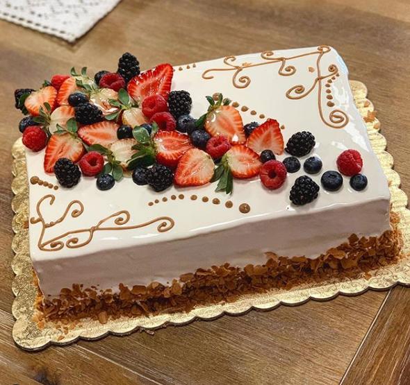 Full or Half Sheet Cake